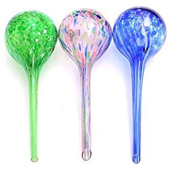 3 bulles d'arrosage pour les plantes