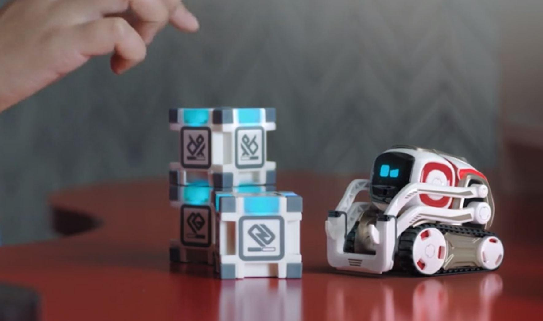 Robot Cozmo en action